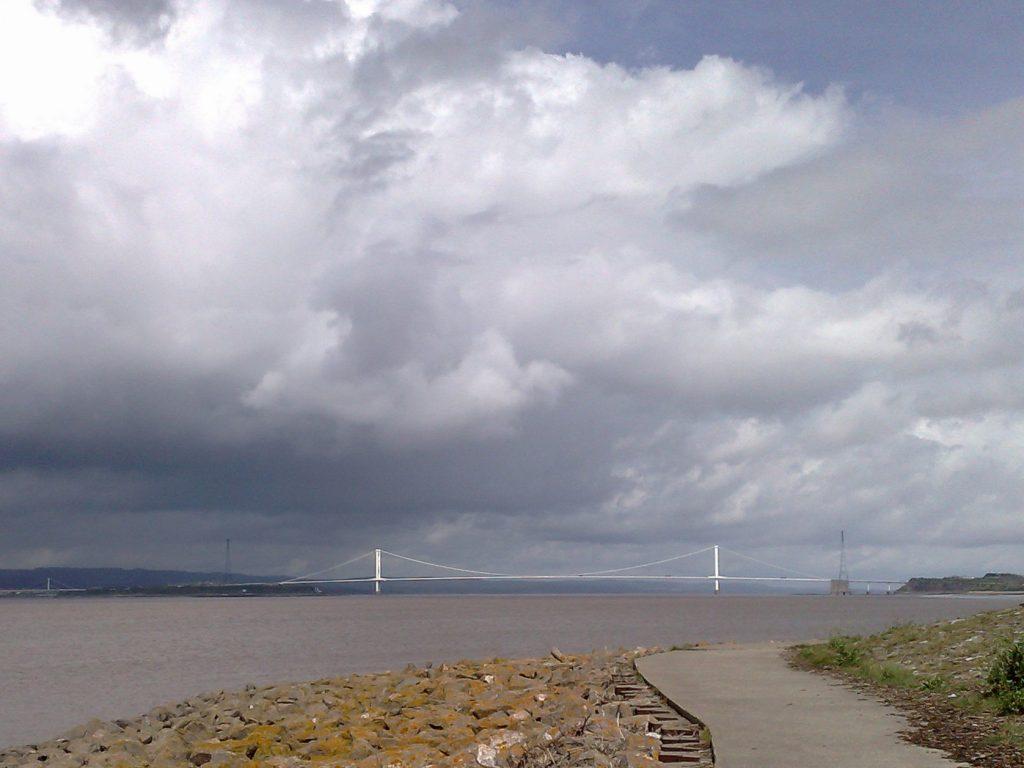 De brug over de Severn naar Wales